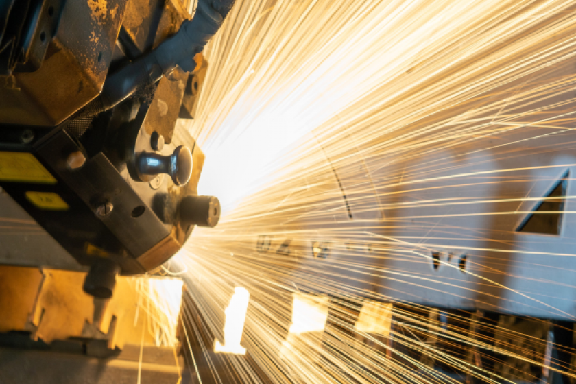 6 Trends to Implement for Manufacturing Business Models Growth in 2021